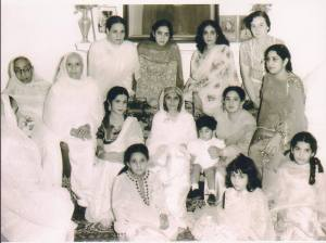 Fatima Jinnah, the sister of the founder of Pakistan, is seen in the centre of this image from  Lahore in 1951. To her right is Munira Iqbal, the daughter of Allama Iqbal.